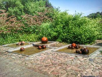 Quell- und Brunnengarten