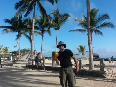 isabela puerto villamil beach bar