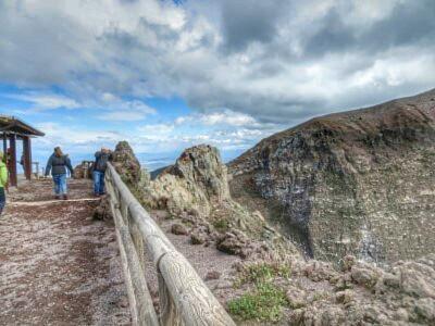 Weg am Gipfel des Vesuvs